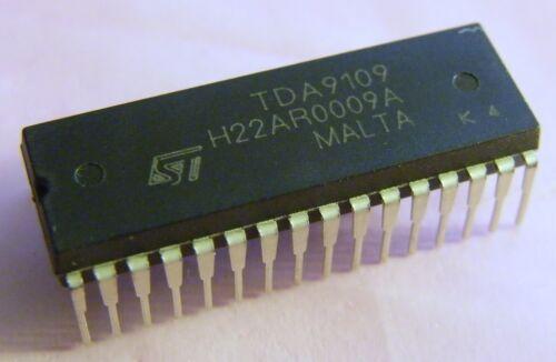 ST Microelectronics 20x TDA9109 Low Cost Deflection Processor
