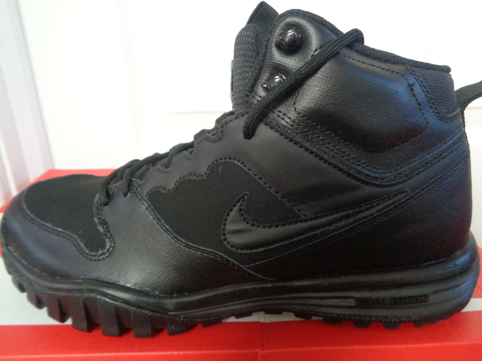 Nike Dual Fusion Hills Mid leather trainers 695784 004 uk 7.5 eu 42 us 8.5 NEW