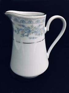 Rose-Point-by-Crown-Ming-Jian-Shiang-fine-china-creamer