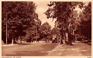 R244686 Southampton. The Avenue. Photochrom. Postcard