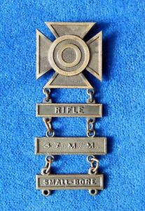 ORIGINAL-US-ARMY-SHOOTING-BADGE-MEDAL-ORDER-RIFLE-37mm-SMALL-BORE-b