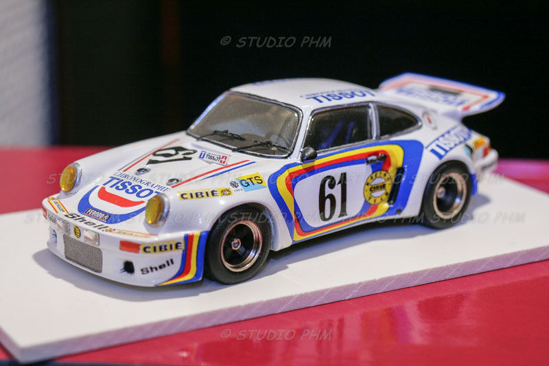 PORSCHE 911 Carrera RSR N°61 TISSOT 24H MANS 74 Vic Elford Starter 1 43 N Spark