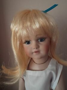 BULK BUY 5 x 11-12 ins ECONOMY LONG DOLLS WIG IN APRICOT BLONDE WITH RIBBON TESS