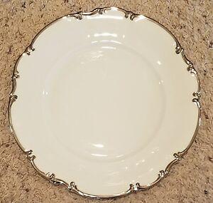 Hutschenreuther-REVERE-White-10-1-8-034-Dinner-Plates-Set-of-5-NEAR-MINT