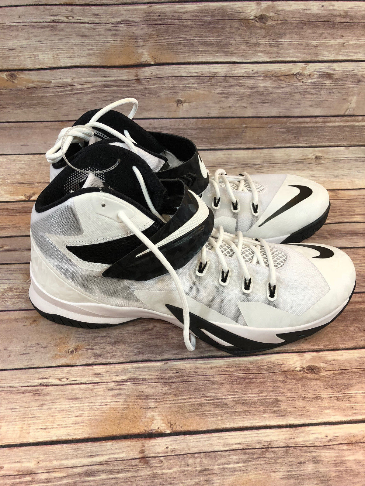 nike 653648-100 lebron zoom soldat 8 Blanc Blanc 8  & Noir  baskets taille 18 c3613b