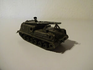 E10-22-Roco-232-M88-Armoured-Recovery-Vehicle-Solid-Military-1-87-Used