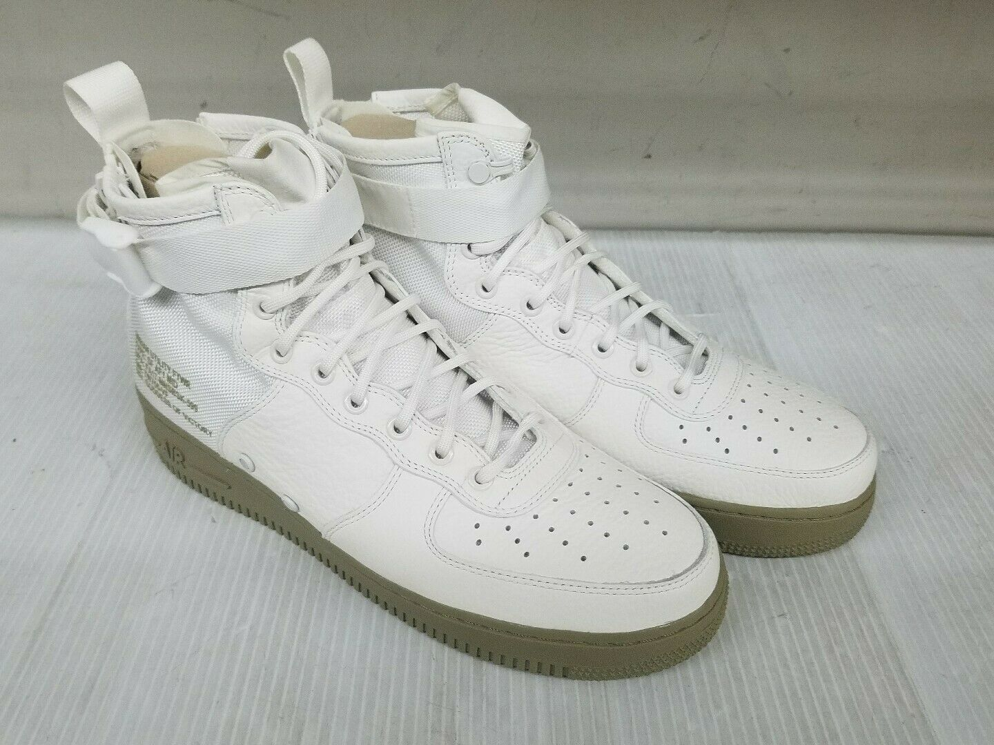 Nike SF AF1 Special Field Air Force 1 Mid Ivory Olive Size 10.5
