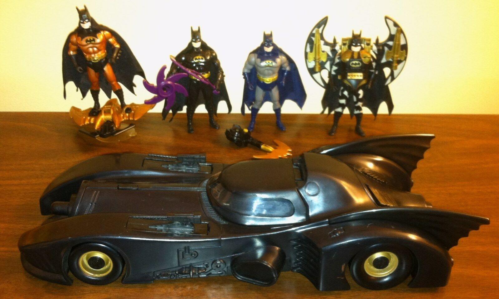 1990 KENNER BATuomo CAVALIERE OSCURO Collezione Batmobile con 4 cifra