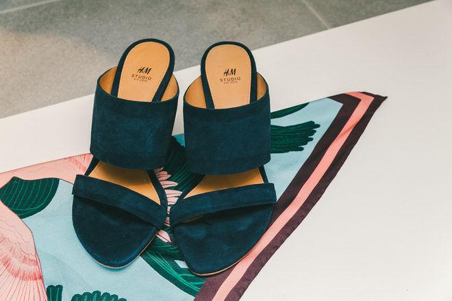 si affrettò a vedere H&M studio SS 15 thong sandals mules scarpe scarpe scarpe heels NWT US 7; EUR 38 LTD edition  nuovi prodotti novità