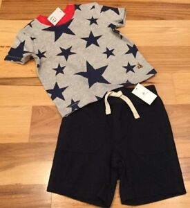 Baby-Gap-Boys-12-18-Months-Outfit-Gray-Red-Star-Shirt-amp-Navy-Blue-Shorts-Nwt