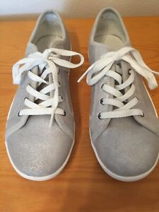 ccee45486e5 Details about UGG MILO STARDUST METALLIC SUEDE SILVER GLITTER TRAINERS SIZE  3 Fab Condition