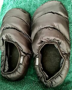 DOWN insulated slippers by Nordic Down - Men-size 5 - 6.5 BLACK (M)