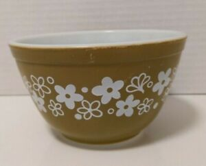 Pyrex Small 1.5 Pint 750 ml Nesting Mixing Bowl #401 Crazy Daisy Vintage