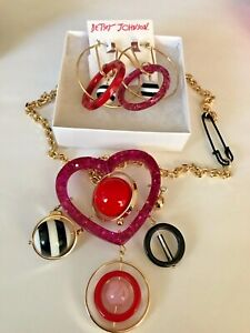 BETSEY-JOHNSON-NECKLACE-AND-EARRINGS-BOUGHT-IN-USA