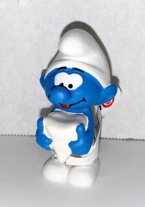 NEW-Smurf-with-Tooth-20820-Year-2020-Smurfs-2-inch-Plastic-Figurine-Dentist