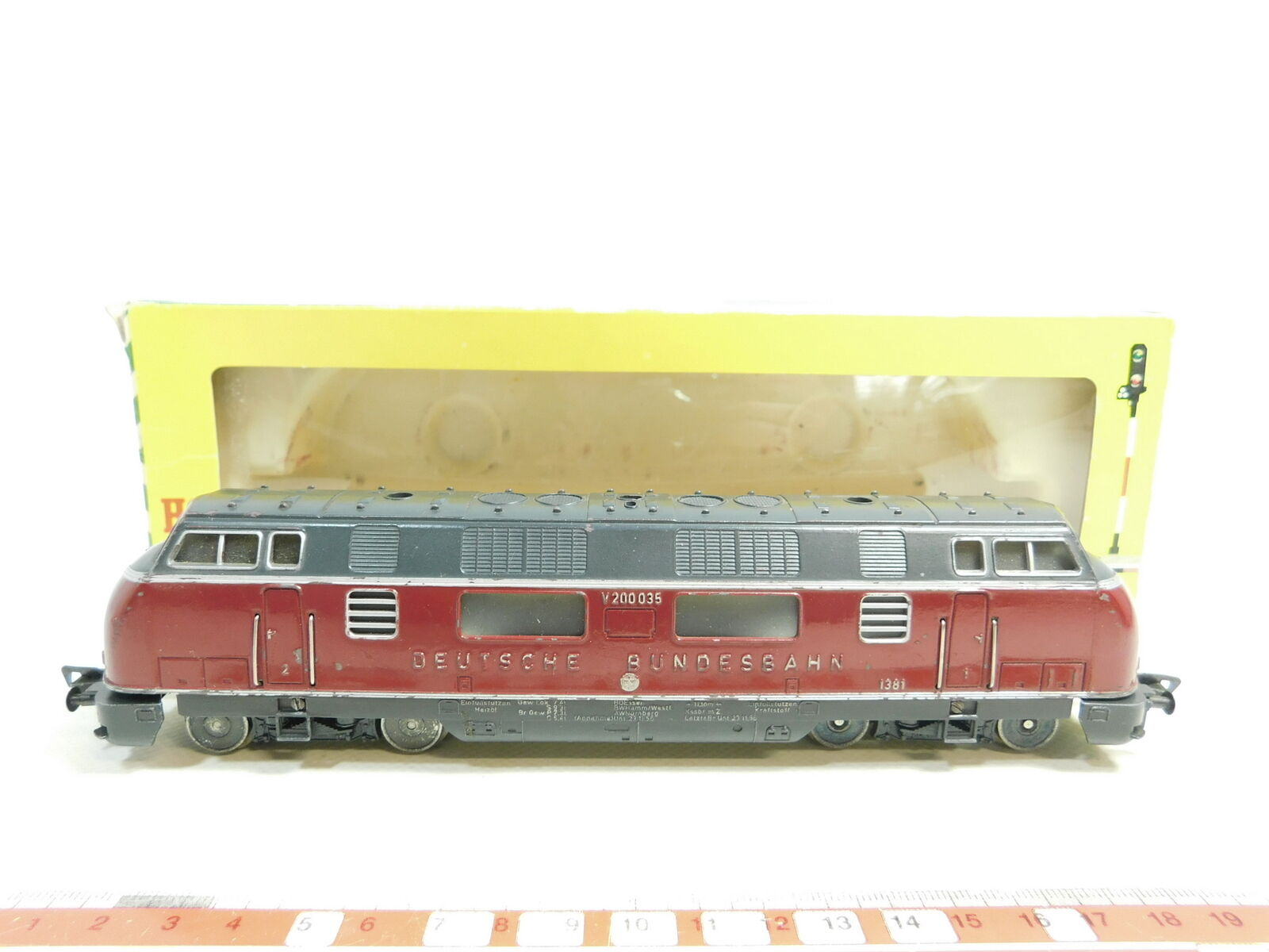 Aw400-1  Fleischmann h0/dc treno/LOCOMOTIVA v200 035; 1381 bene + OVP