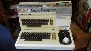 RARE-VINTAGE-COMMODORE-VIC-20-COMPUTER-SYSTEM-GC-BOXED-w-CARTS