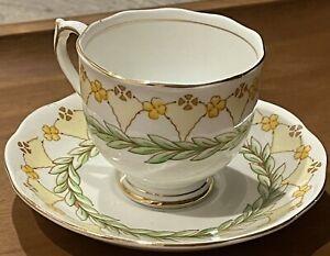 Roslyn Fine Bone Roslyn China Tea Cup Saucer England Laurel 8382