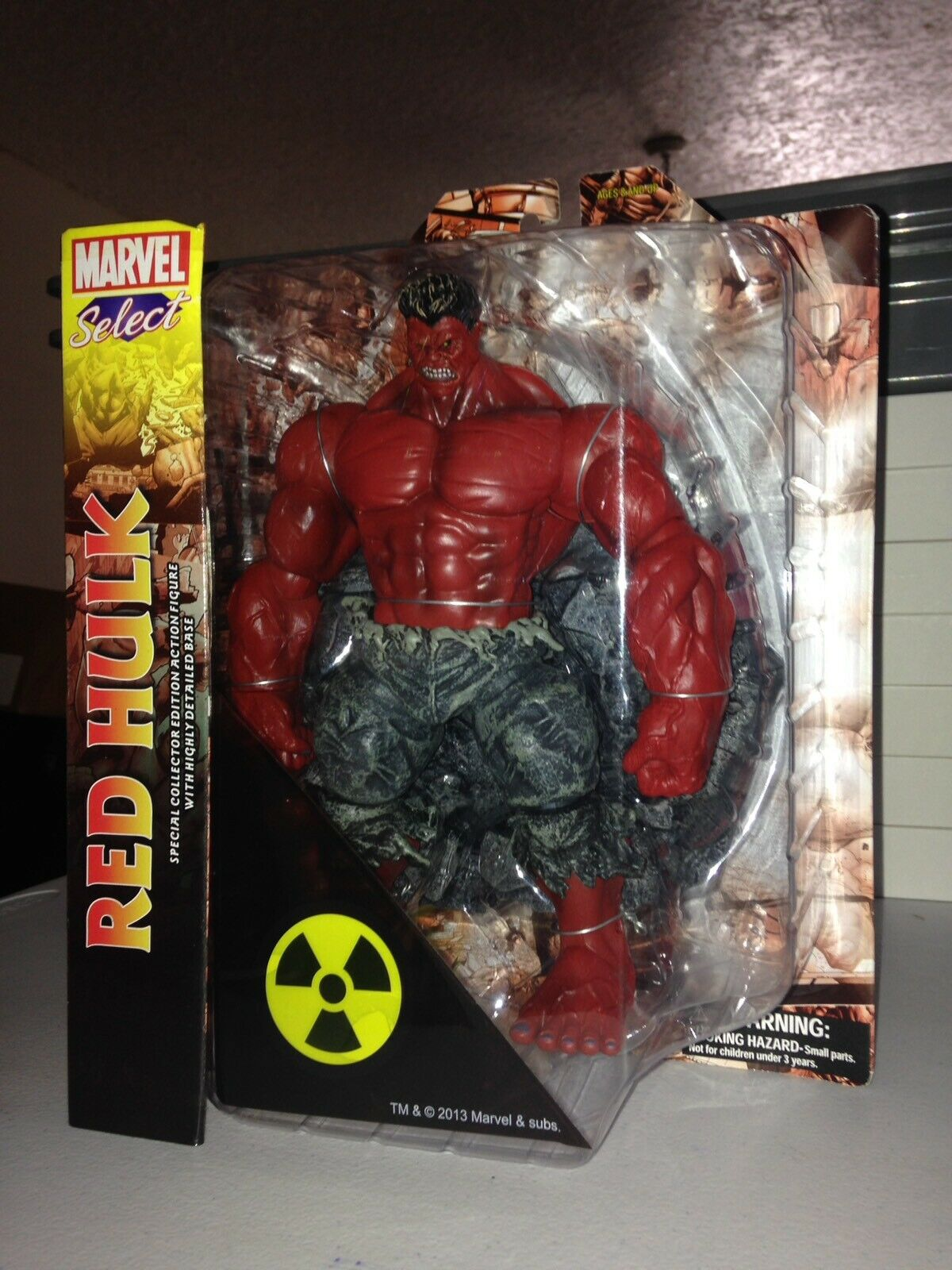 MARVEL SELECT RED HULK SPECIAL COLLECTOR EDITION W HIGHLY DETAILED BASE NEW 2013