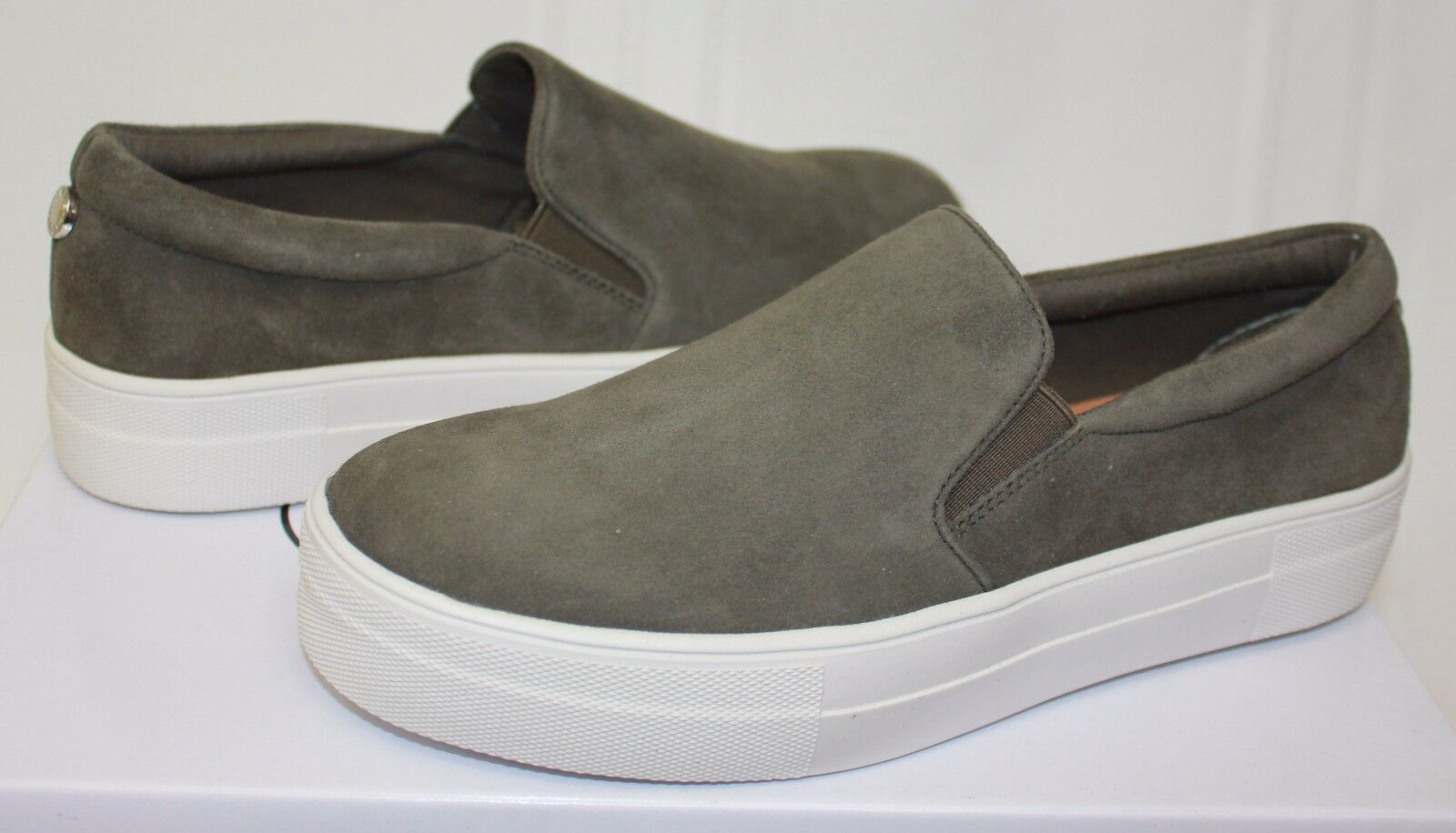 Steve Madden Gills Slip On Sneaker style shoes Olive Suede New With Box