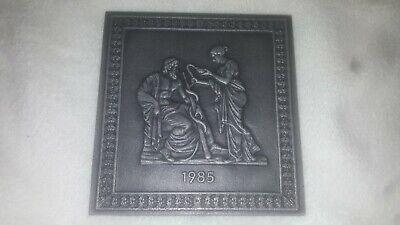Buderus Jahresplakette 1985~asklepios Und Hygieia~ Eisenhell~ Kunstguss Sammler Moderater Preis