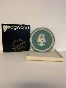 Vintage-Valentine-039-s-Day-1984-White-on-Teal-Jasper-Wedgwood-Plate-3rd-in-Series