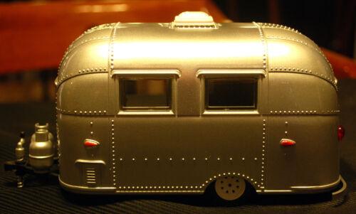 Green Light 18224 1:24 AIRSTREAM 16/' Bambi CAMPEGGIO trailer rimorchio da campeggio