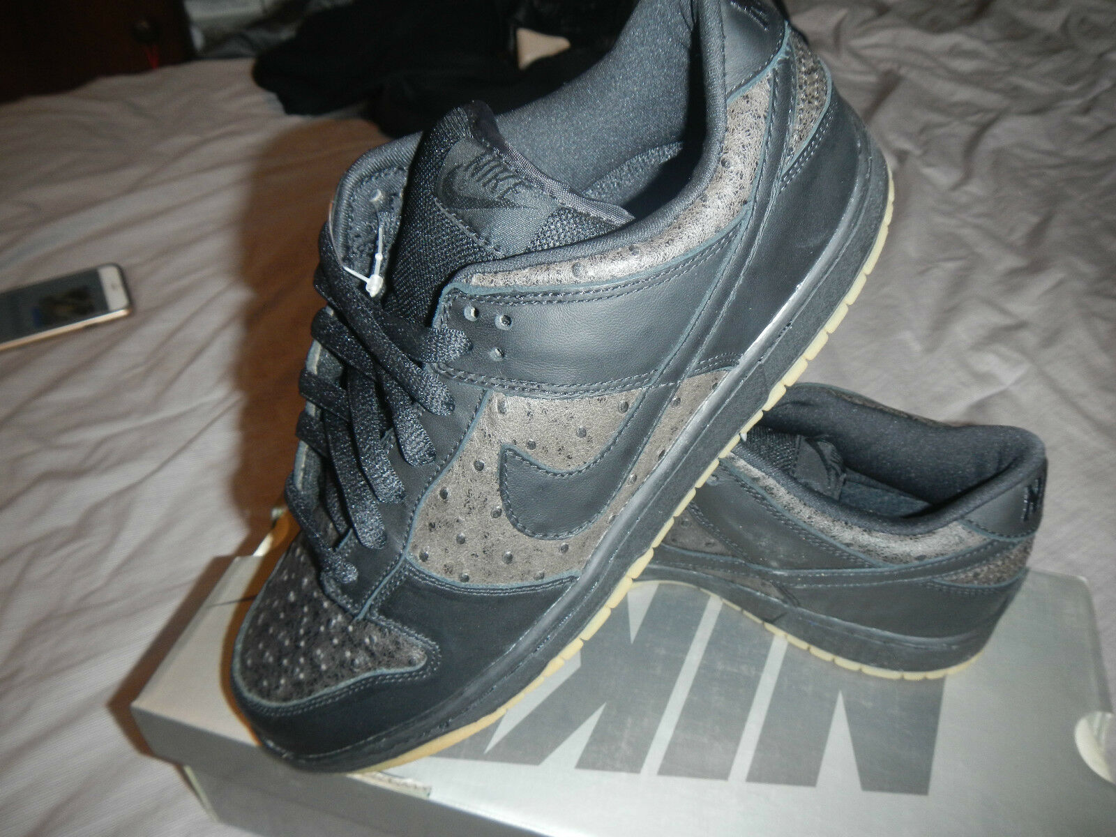 304292 003 NIKE DUNK LOW PR0 SB  OSTRICH  2003 RARE RELEASED   SIZE 9.5