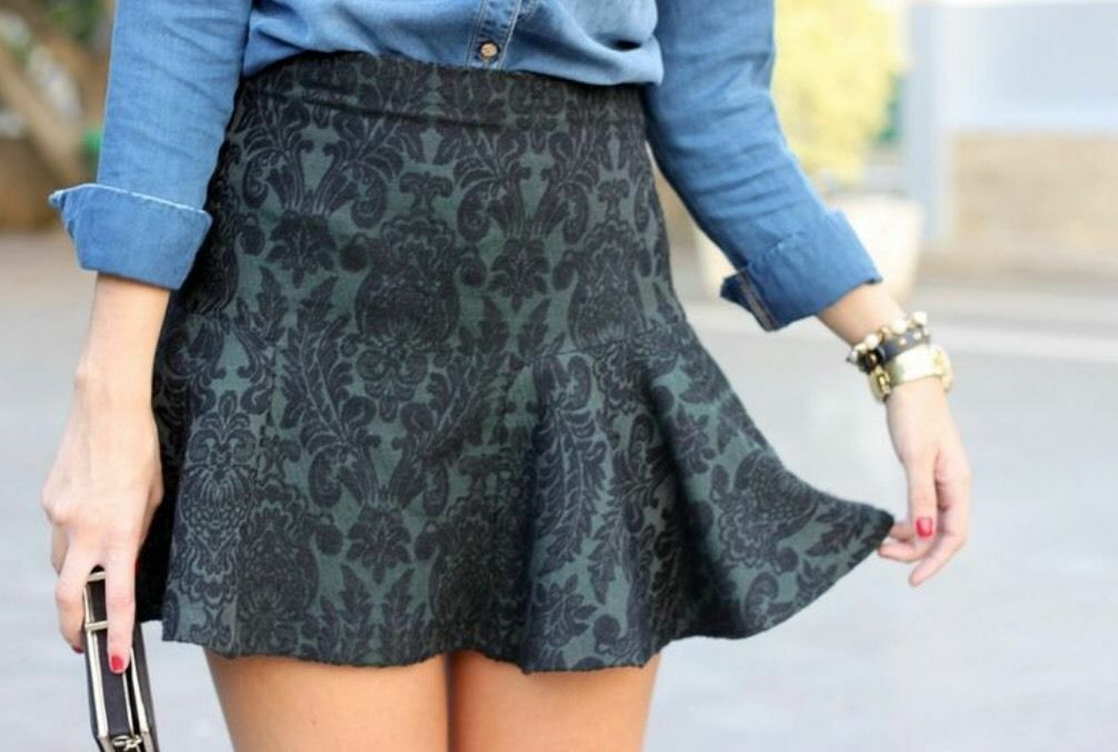 ZARA BNWT GREEN JACQUARD PATTERN MINI SKIRT WITH FRI SIZE M MEDIUM REF. 7833 813