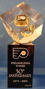 Philadelphia-Flyers-Replica-Of-1974-Stanley-Cup-Championship-Ring