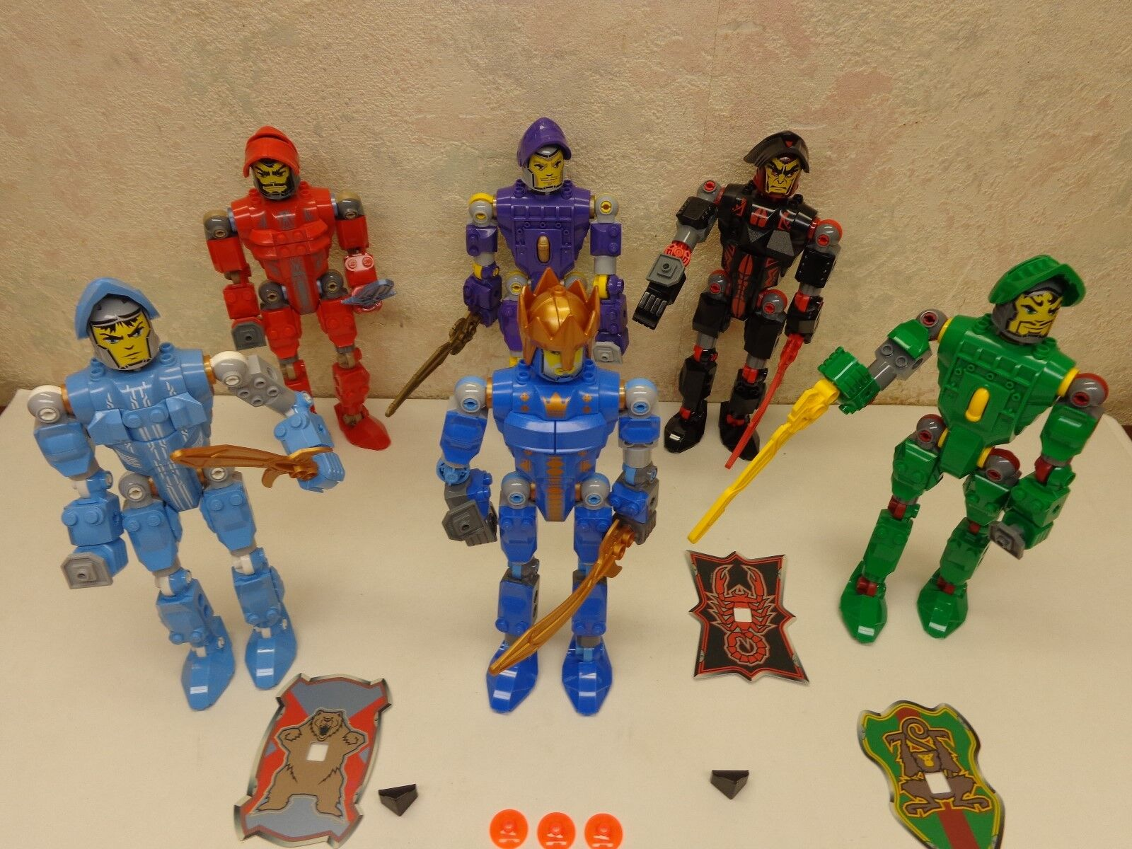 LEGO Lego Knights Kingdom Action Figures Robots Lot of 6  8  Tall