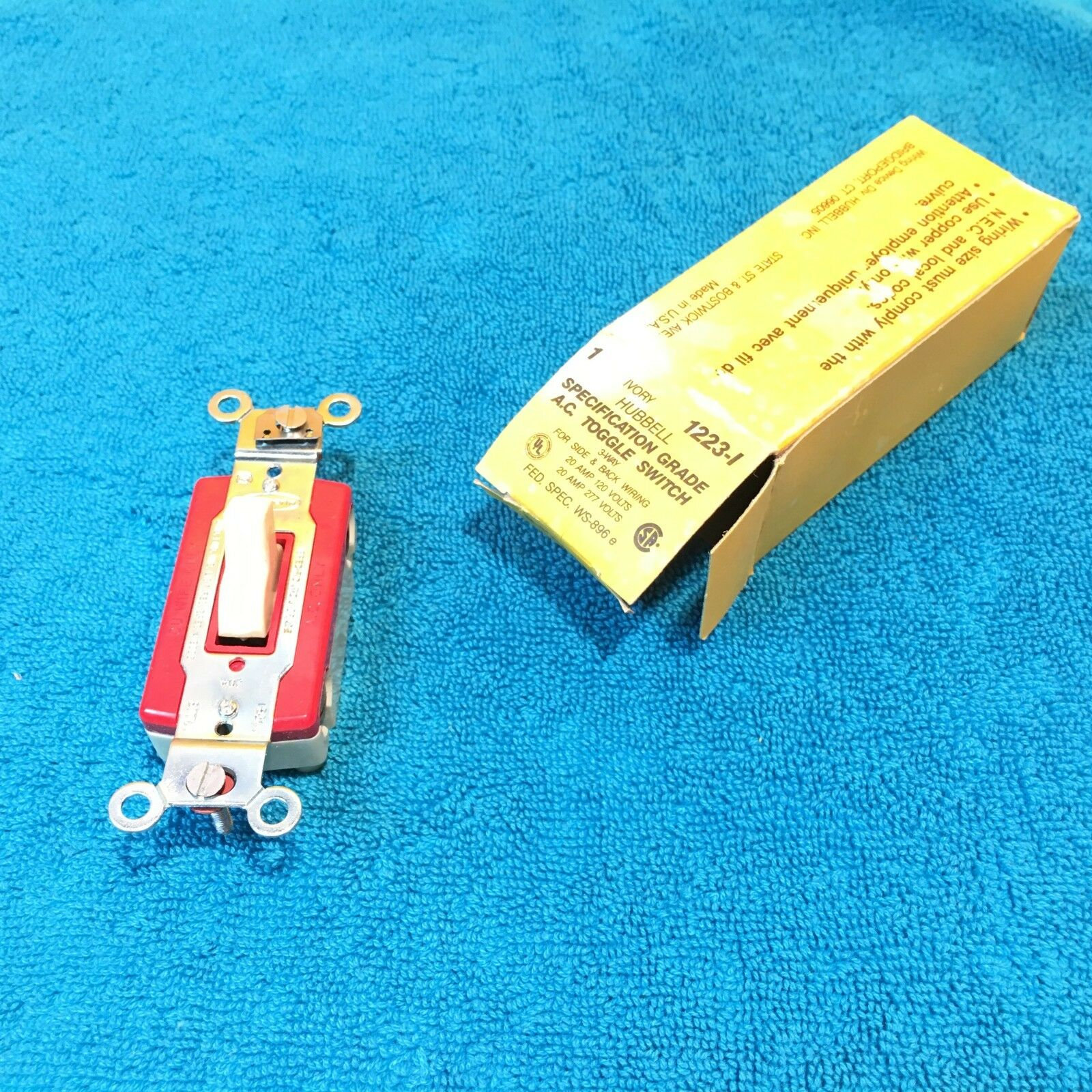 Hubbell 1223i Construction 3 Way Toggle Light Switch 20 Amp 120 277 Key Vac Ivory Ebay