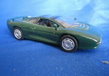 AC305 UH UNIVERSAL HOBBIES JAGUAR XJ220 1/43 NB