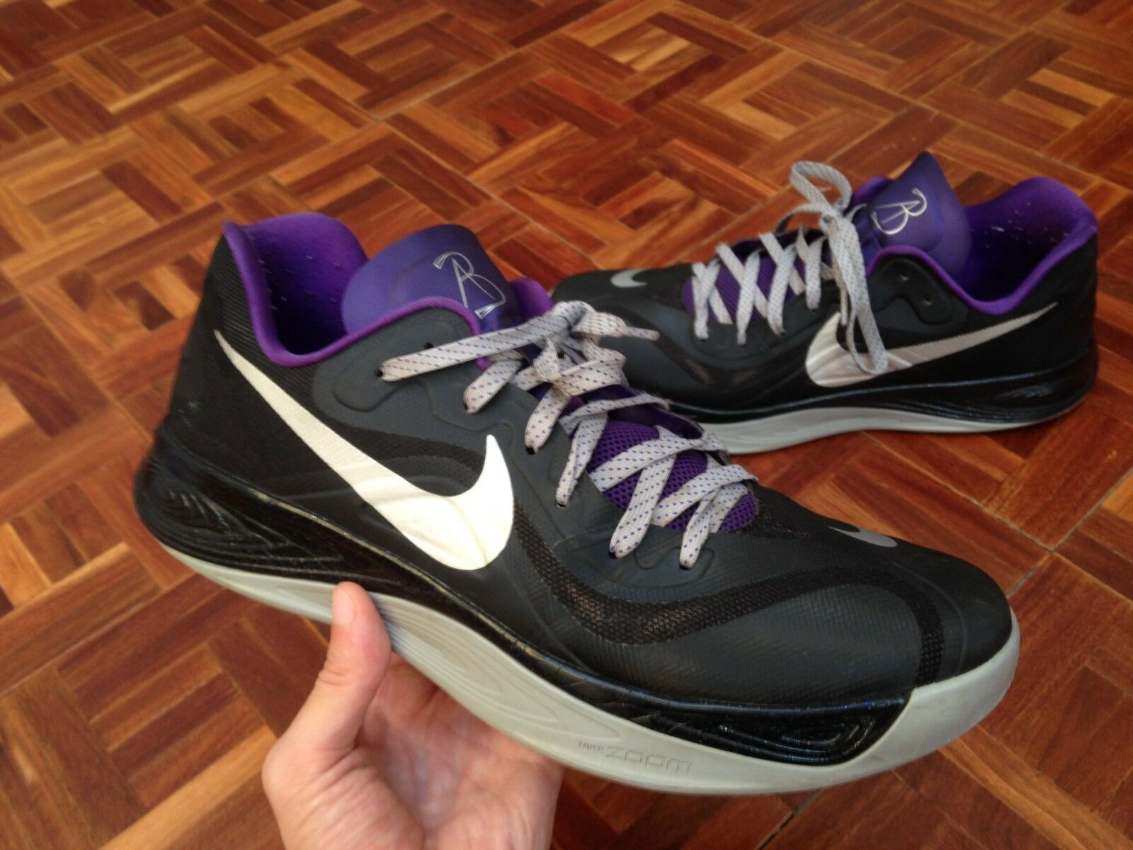 Nike Hyperfuse Low PE NBA PLAYER ISSUED AARON BROOKS Sac Kings Shoes Sample