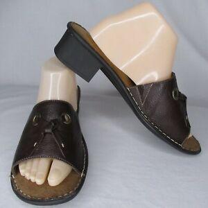 Naturalizer 11 Wide Brown Leather Slide