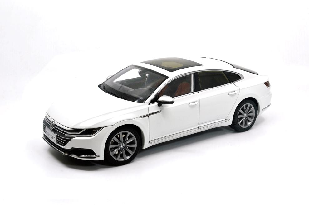 1 18 échelle 1 18 Volkswagen CC arteon  2018 blanc Diecast Voiture Modèle Paudi + cadeau  économiser 35% - 70% de réduction