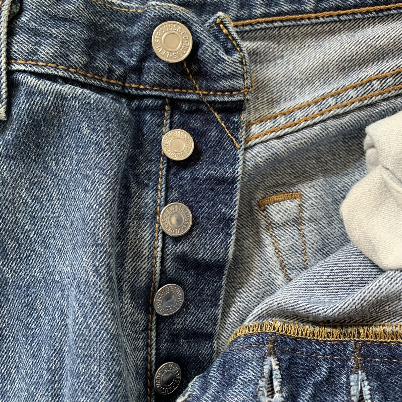 Vintage Levi's 501 Button Fly Distressed Jeans Me… - image 9
