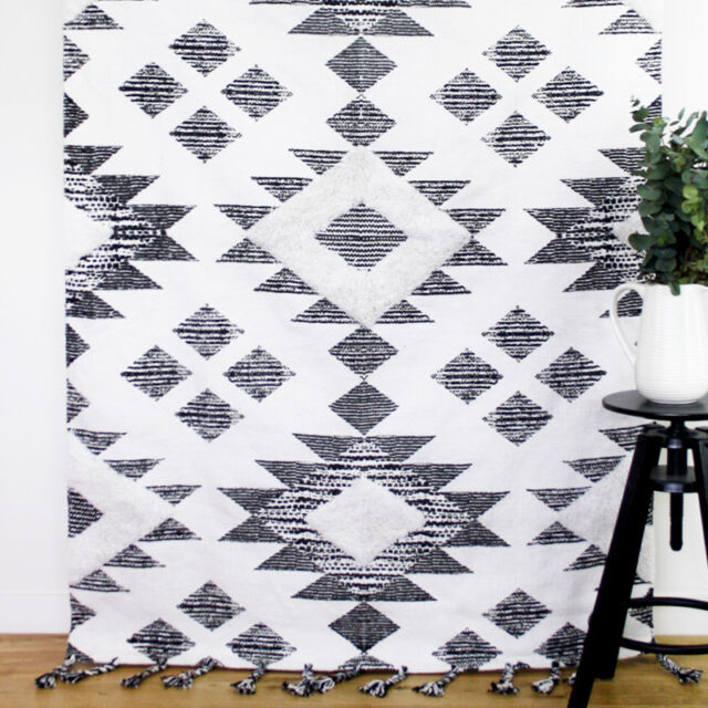 NEW Collective Sol Traditional Floor Rug Large Tufted Handmade Black White