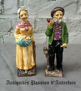 B2016388 - 2 Petites Figurines En Faïence - 16,5 Cm De Hauteur - Très Bon état
