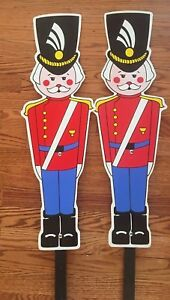 Two-Christmas-Yard-Nutcrackers-Soldier-Decorations-Vintage-Large
