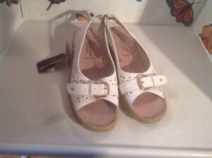 Lovely Ladies Small Wedge Size 3