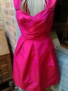 Utile Robe (occasion) Taille 6 (couleur Sangria) Par Alfred Sung Forte RéSistance à La Chaleur Et à L'Usure