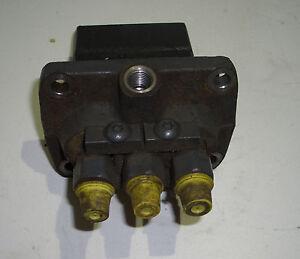 7079-Einspritzpumpe-Kubota-D1803-9C-gebr