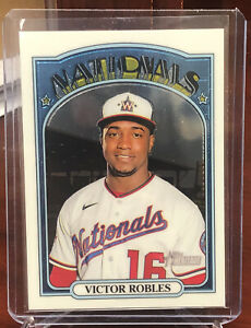 2021 Topps Heritage White Parallel VICTOR ROBLES Nationals SP #'ed /999 #470