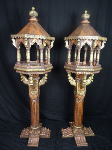 Pair-Beautiful-Antique-Style-Oriental-Gilt-Carved-Wood-Buddha-Temple-Lanterns
