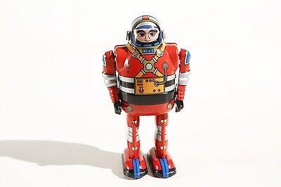 Freundlich Spielzeug Blechspielzeug Astronaut Roboter Mit Beweglichen Armen 13 Cm Rot Tropf-Trocken