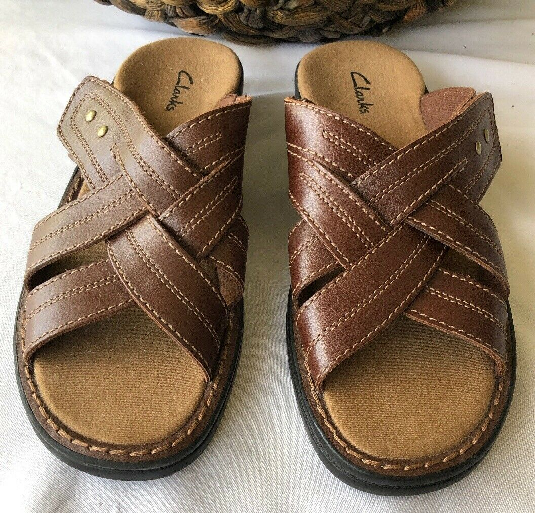 Clarks Woman's Leather strap Sandals Size 9 Brown Leather Hook &Loop.