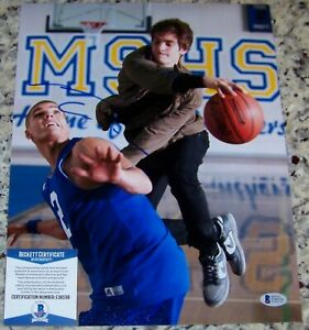 SPIDERMAN-Andrew-Garfield-Signed-Autographed-11x14-Photo-Beckett-BAS-COA