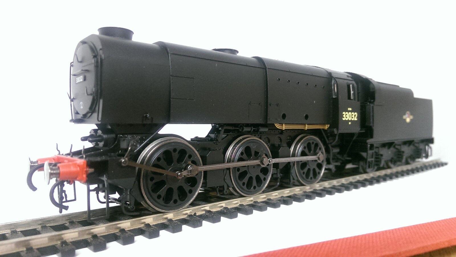 Hornby R3560 Late BR 0-6-0 Class Q1 Locomotive  33032  DCC Ready