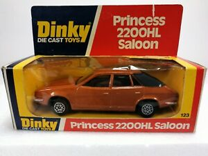 Dinky-Toys-123-Princess-2200-hl-saloon-good-box